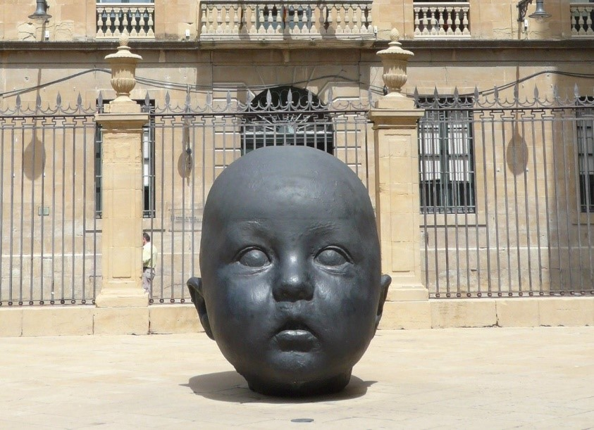 Giant babyhead sculpture, Barcelona